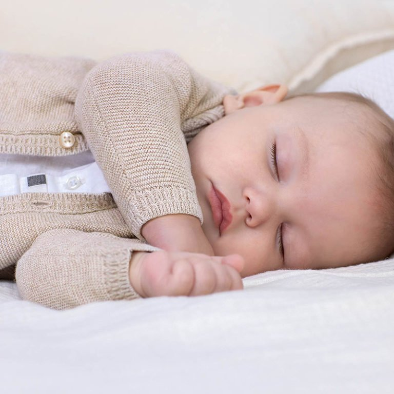 Mayoral, vauvan neuletakki beige
